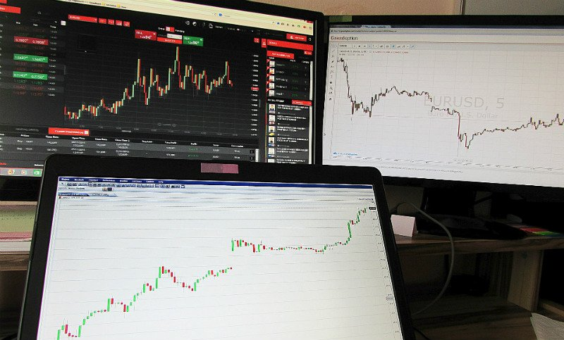 advantages and disadvantages of internet trading